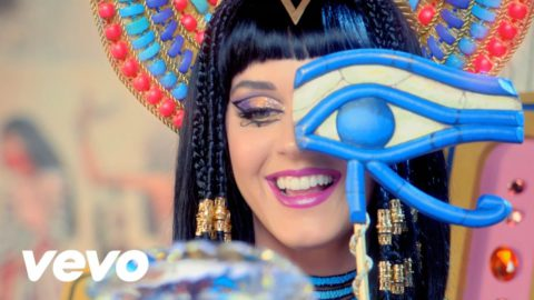 English Listening with Music [Katy Perry – Dark Horse]
